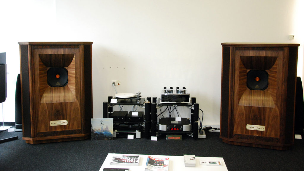 Tannoy Westminster Royal GR mit Einstein The Amp Ultimate, Rega RP10, Rega Aria und Moon 750D